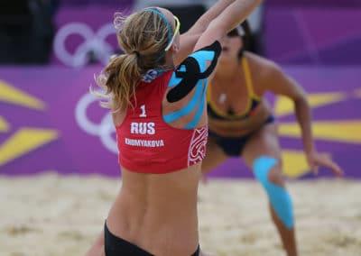Kinesiotaping-Women-Beach-volleyball