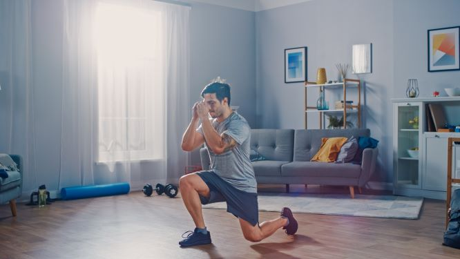 lunges is one of the best bodyweight exercises