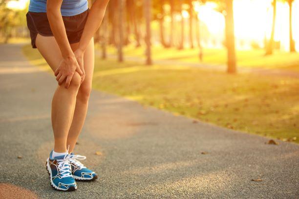 runner has knee pain and needs relief